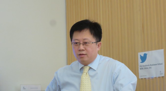 Counsellor Han talks about Chinese economy at a seminar at Stockholm University