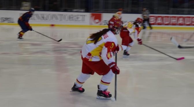 中国女子冰球队访问瑞典热身备战世锦赛