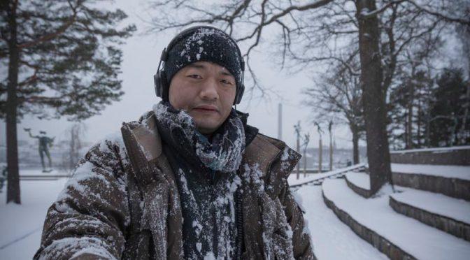 """独家专访:  一个展览,一本书,一次东西方文化的碰撞--著名华人摄影师李亚男""""诺贝尔颁奖大厅""""大展,暨新书发布"""