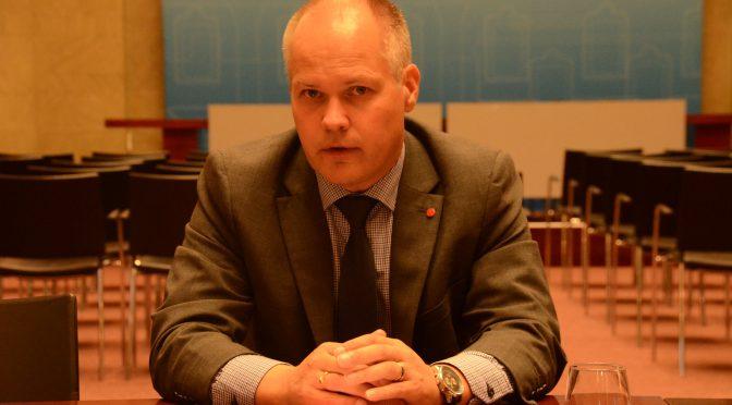 瑞典政府采取9项新措施应对难民问题