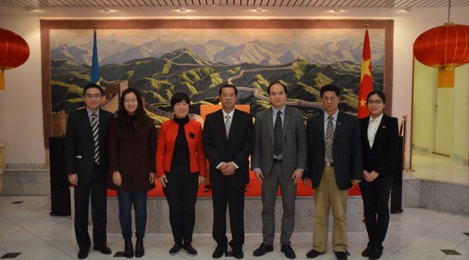 中国驻瑞典大使桂从友接受瑞典华文媒体集体采访