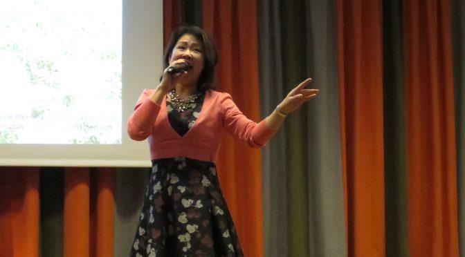 瑞典华人歌唱家李佳演唱《青藏高原》
