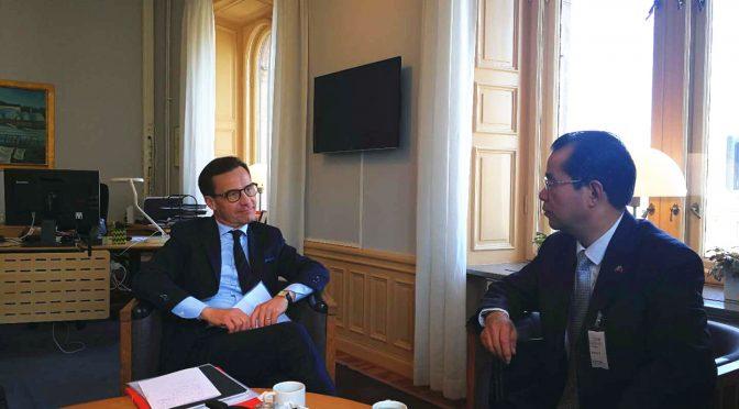 今日要闻:桂从友大使拜会瑞典温和党主席克里斯特松
