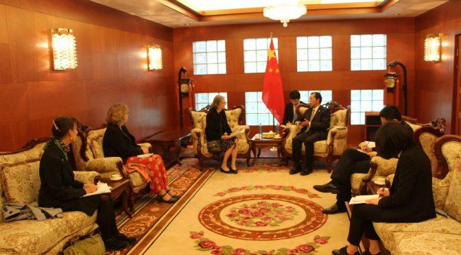 今日头条:桂从友大使与瑞典民众面对面对话交流