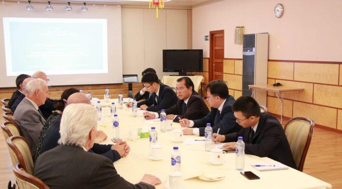 今日要闻:桂从友大使会见瑞典席勒研究所负责人