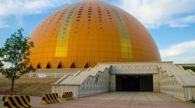 """中外媒体""""走进新疆""""系列报道(十四)《千回西域》盛大演出和喀纳斯民俗风情演出"""