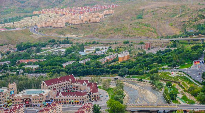 "Utländska journalister besöker Xinjiang ""-serien (9) – Xinjiangs Altay – Turism blir en pelareindustri"