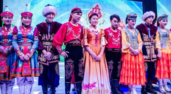 Utländska journalister Besök Xinjiang-serien (14) – Xinjiang Grand Theatre och Kanas Theatre
