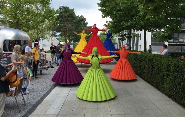 荷兰2019国际高跷节洵烂多彩
