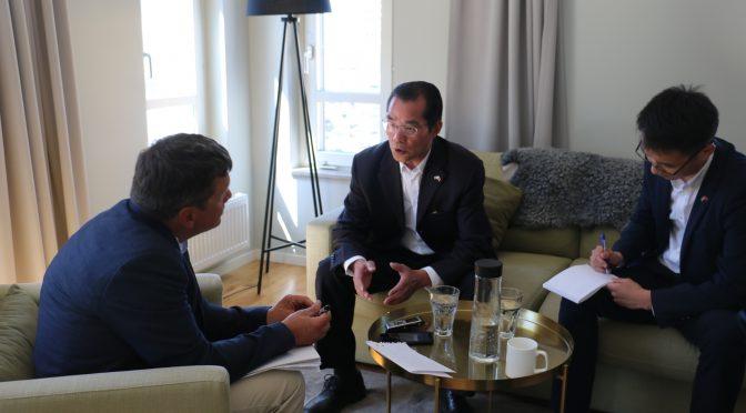 今日头条:桂从友大使在哥特兰政治周期间接受《瑞典日报》记者专访