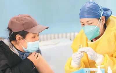 国际社会热议:中国新冠疫苗来了!
