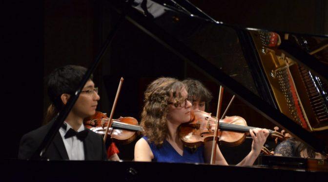 Daniel Xia spelade piano på Lilla Akademins Unga Musiker Orkesterfest