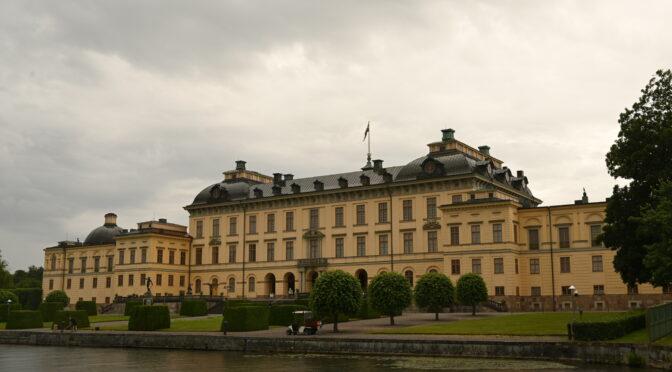 瑞典仲夏节出游人数增多